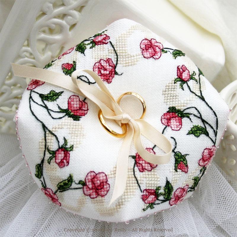 Sweet Roses Biscornu