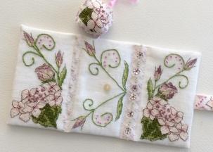 Lizzie Wallet stitched by Bernadette