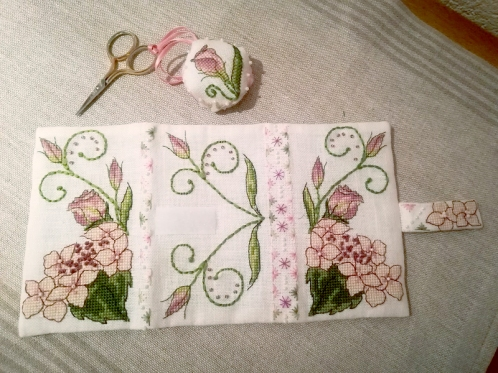 Lizzie Wallet stitched by Petra